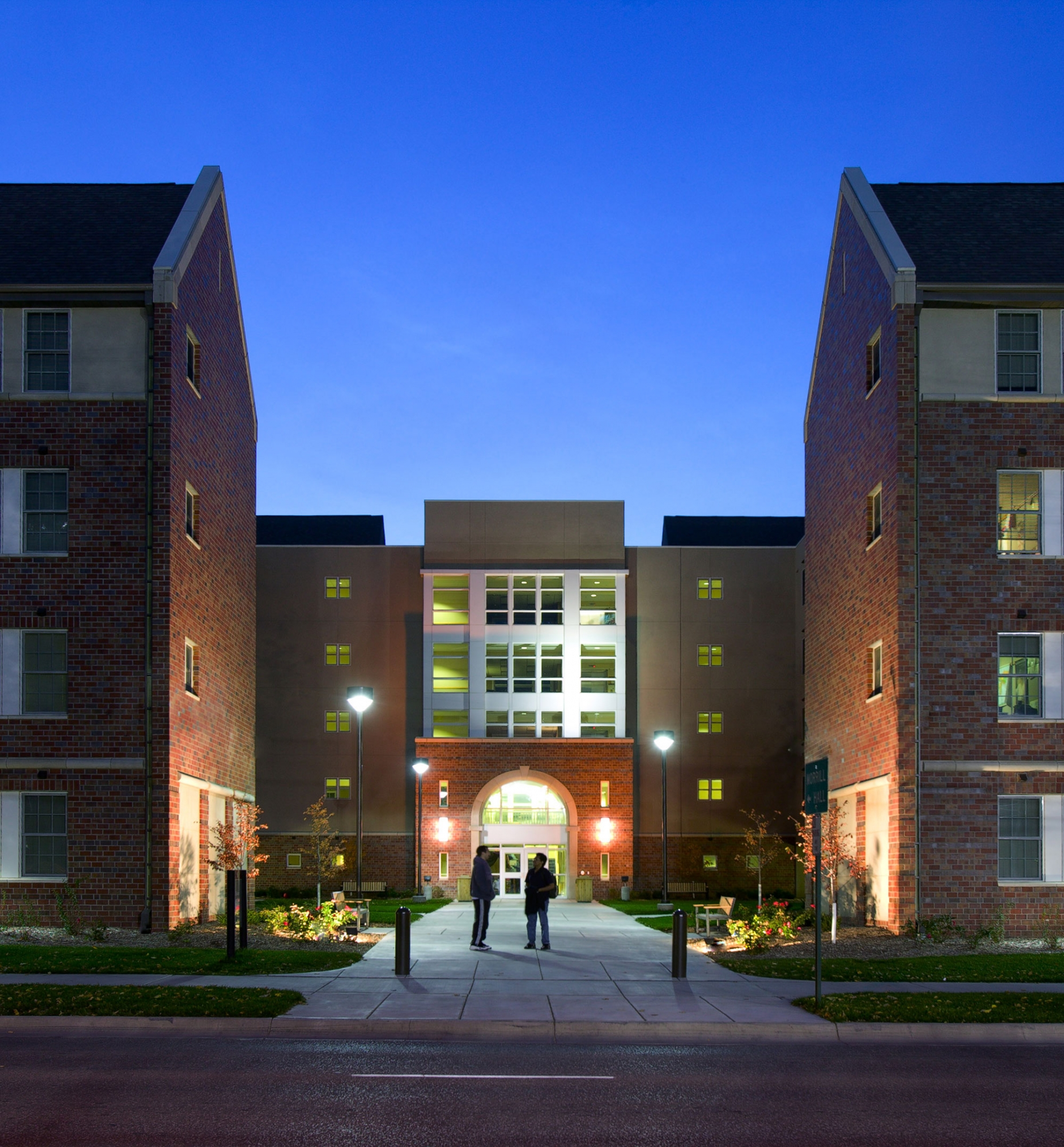 Apartments Near University Of Nebraska Lincoln: Sinclair Hille Architects - Architectural